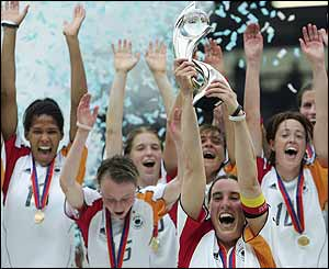 Germany win Euro 2005