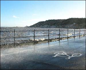 Rough sea at Mumbles (Jim Young from Swansea)