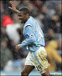 Shaun Wright-Phillips celebrates after scoring for Manchester City