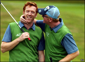 Celebrity golfers Damien Lewis (left) and Chris Evans.