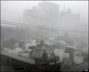 Desde la madrugada del lunes empezaron a sentirse los efectos del huracán sobre Nueva Orleans. Luego llegaría con toda su fuerza.