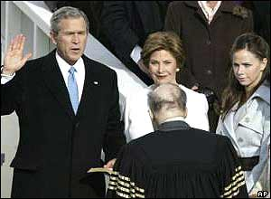 George W Bush with wife Laura and daughter Barbara