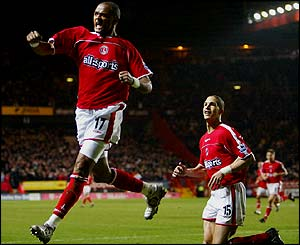 Shaun Bartlett heads Charlton in front