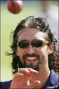 Jason Gillespie goes for the Dave Grohl look. Sort of