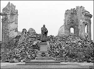 Fauenkirche ruins (photo from 1967)