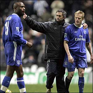 Jose Mourinho with William Gallas and Damien Duff