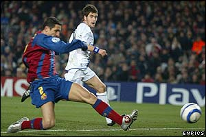 Juliano Belletti scores an own goal