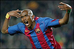 Samuel Eto'o celebrates scoring the winner for Barcelona