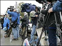 Photographers in California for Michael Jackson's trial