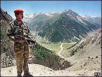 An Indian soldier on the border at Kashmir