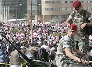Lebanese soldiers and police separate pro-Syria and opposition protesters