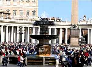 Crowds at St Peter's Square on 2 April
