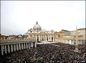 Crowds in St Peter's Square