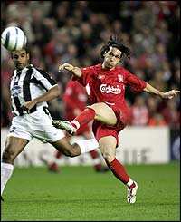 Luis Garcia fires in Liverpool's second goal