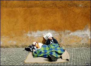 Pilgrims sleeping in the street