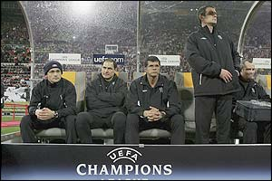 The Chelsea bench watches play in Munich