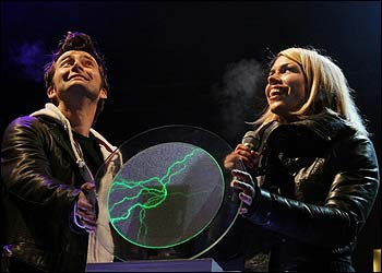 David Tennant and Billie Piper switched on the Cardiff Christmas lights. They counted to ten before flicking the switch