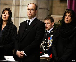 Princess Stephanie of Monaco (R), Prince Albert and Princess Caroline of Hanover (L)