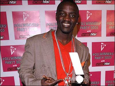 And here's Akon - he picked up best R'n'B act