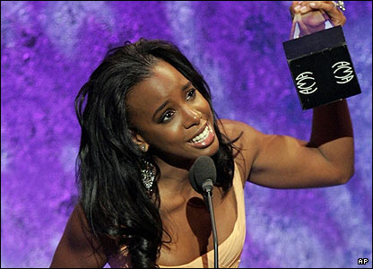 Destiny's Child picked up two awards at the show, but only Kelly Rowland was present at the ceremony.