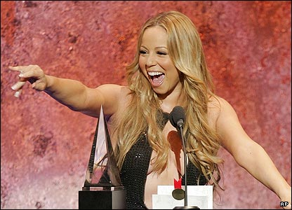 The American Music Awards was a star-studded affair in Los Angeles, with Mariah Carey picking up the first award for favourite soul/R&B female artist.