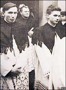 Joseph Ratzinger and his brother at their ordination, 1951
