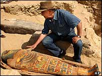 Egypt expert Zahi Hawass with the mummy