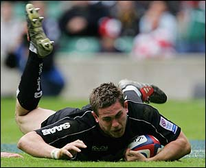 Saracens' Ben Johnson goes over for a try