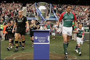 Wasps v Leicester: Lawrence Dallaglio and Martin Johnson lead their sides out