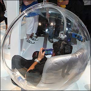 Bubble chair at E3