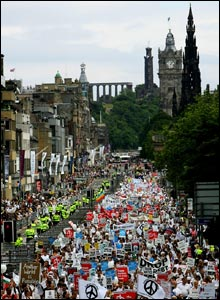 March goes down Princes Street