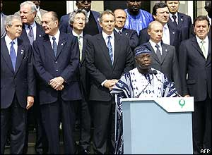 President Olusegun Obasanjo of Nigeria (centre) gives a G8 statement at the summit in Gleneagles