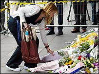 Flowers for people harmed in the London blasts