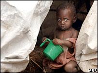 在難民營里的小孩