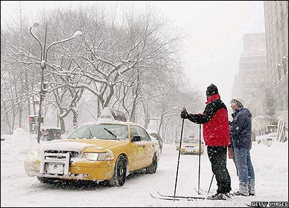 New York suffered the worst blizzard since 1869 so some people decided to get around town using skis!