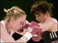 Canadian boxer Katie Burton and Swiss boxer Christina Nigg