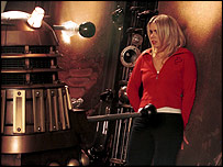 Rose Tyler (Billie Piper) meets a Dalek