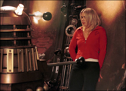 ROse Tyler is trapped by a Dalek