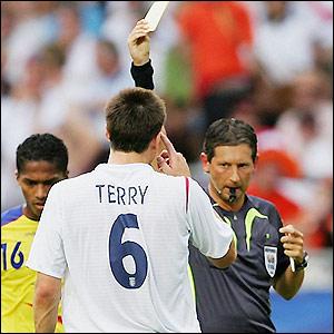 Árbitros convocados a Uefa Euro Cup 2011 en Italia  _41810072_terry_getty300