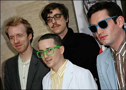 http://news.bbc.co.uk/media/images/42054000/jpg/_42054692_mercury_hotchip_pa.jpg