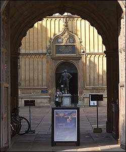 This is the entrance to the Bodleian Library which is next to Exeter College. It features quite a lot in Northern Lights