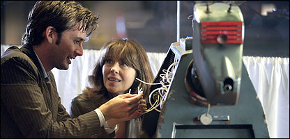 Elisabeth Sladen as Sarah Jane with the Doctor and K-9