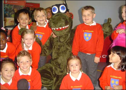 Kids meet a real-life ninja dinosaur!