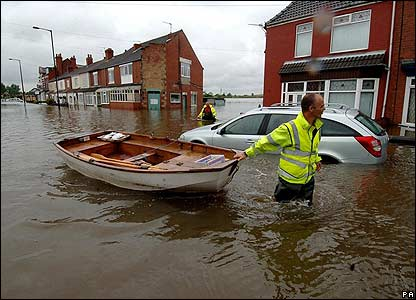 CBBC Newsround | Pictures | In pictures: Britain hit by ...