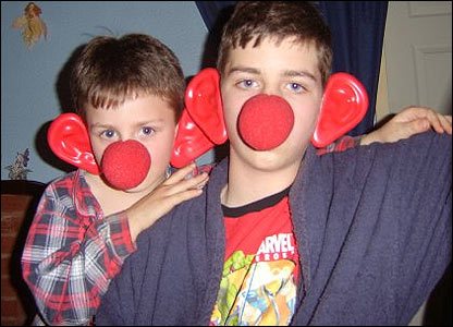 Zander, 3 and brother Brett, 13, went to bed wearing their red noses and ears to raise money for Comic Relief!
