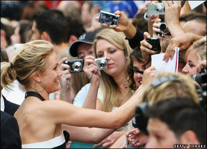 Cameron Diaz signing for fans