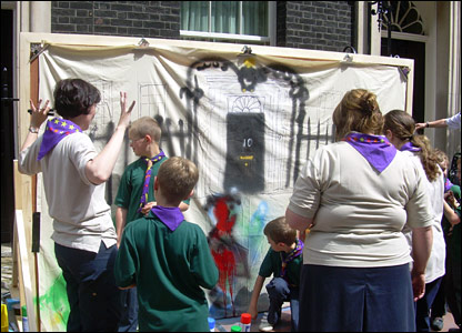 Scouts outside number 10 Downing Street