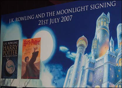 Sign for the moonlight reading