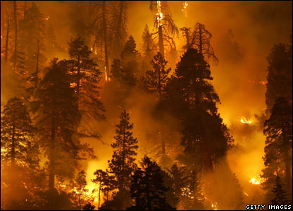 our blue planet--way to end 步入灭亡 _44123302_californiafire_getty416