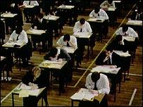 批評人士質疑英國公開考試的水平
